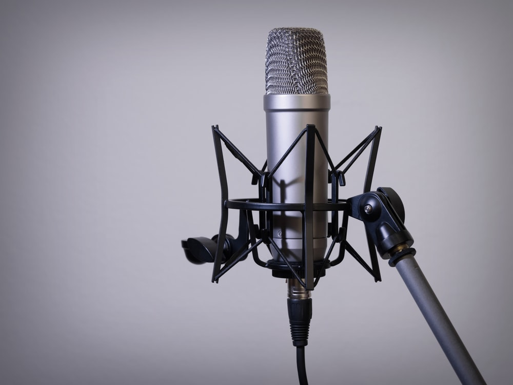 Close up of Mic Shock mount and stand podcaster